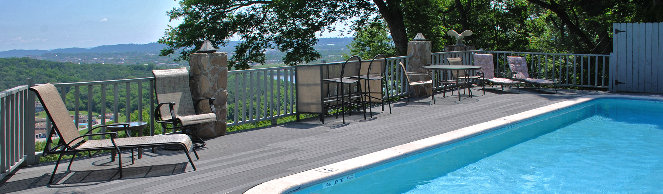 Riverview Inn deck and pool